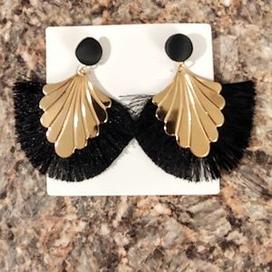 Jewelry - 5/$25 Item Gold with Black Fringed Earrings. NWT